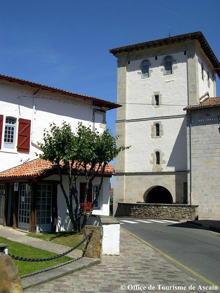 Eglise office de tourisme de ascain eglise du village d flickr - Office tourisme st jean de luz ...