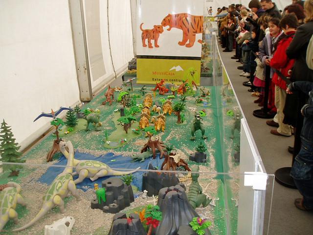 Zaragoza el mundo de playmobil era de los dinosaurios for Playmobil dinosaurios
