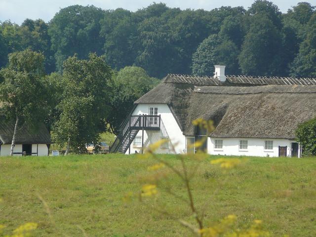Jolie maison dans la campagne danoise flickr photo for Maison dans la campagne