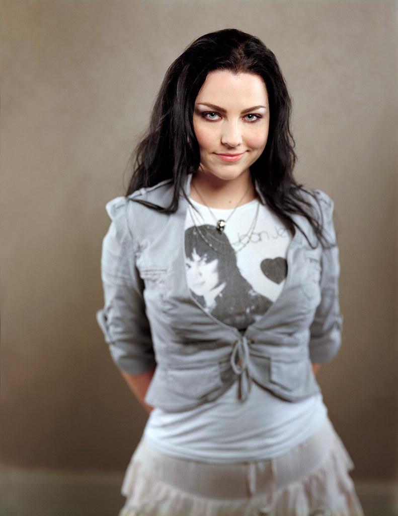 Amy Lynn Lee Hartzler - Evanescence 223 | the gamerakel ...