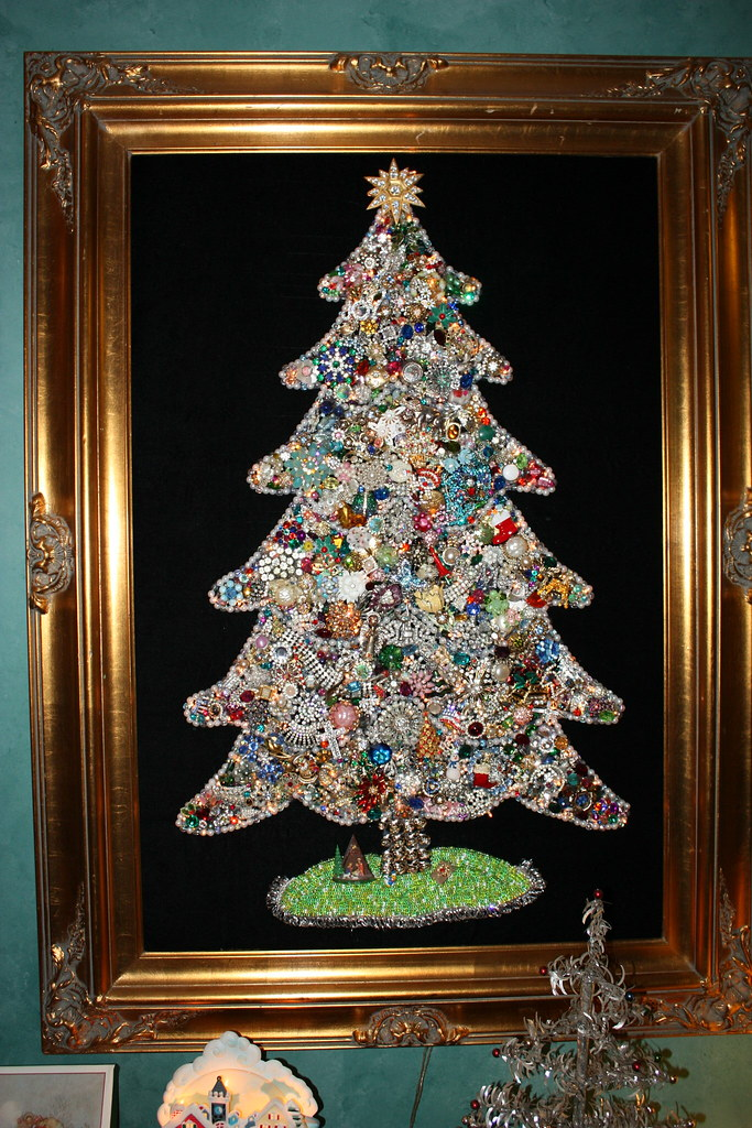 Jewelry christmas tree heidi ponagai flickr for What to do with old mailbox
