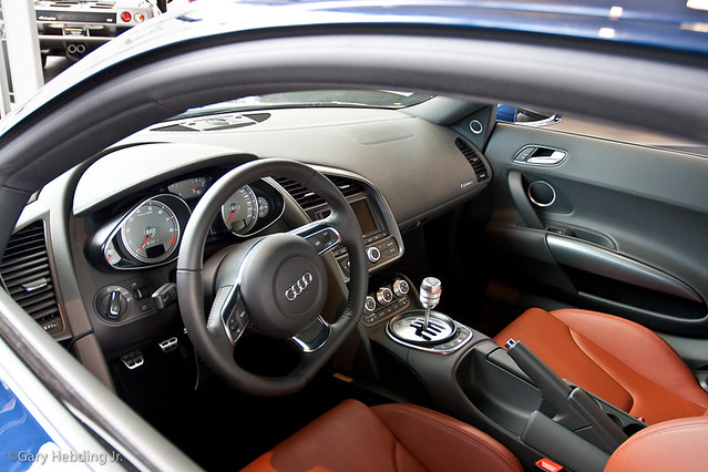 audi r8 interior audi sure knows how to make a nice. Black Bedroom Furniture Sets. Home Design Ideas