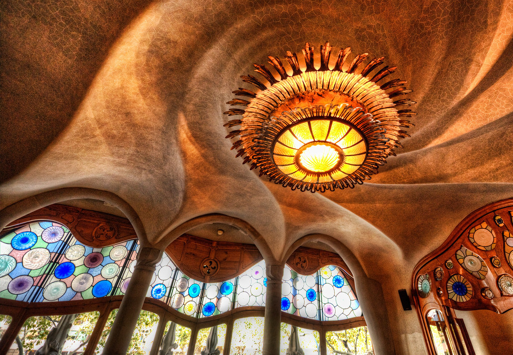 The Gaudi Cheesecake Factory | I was stuck doing handheld