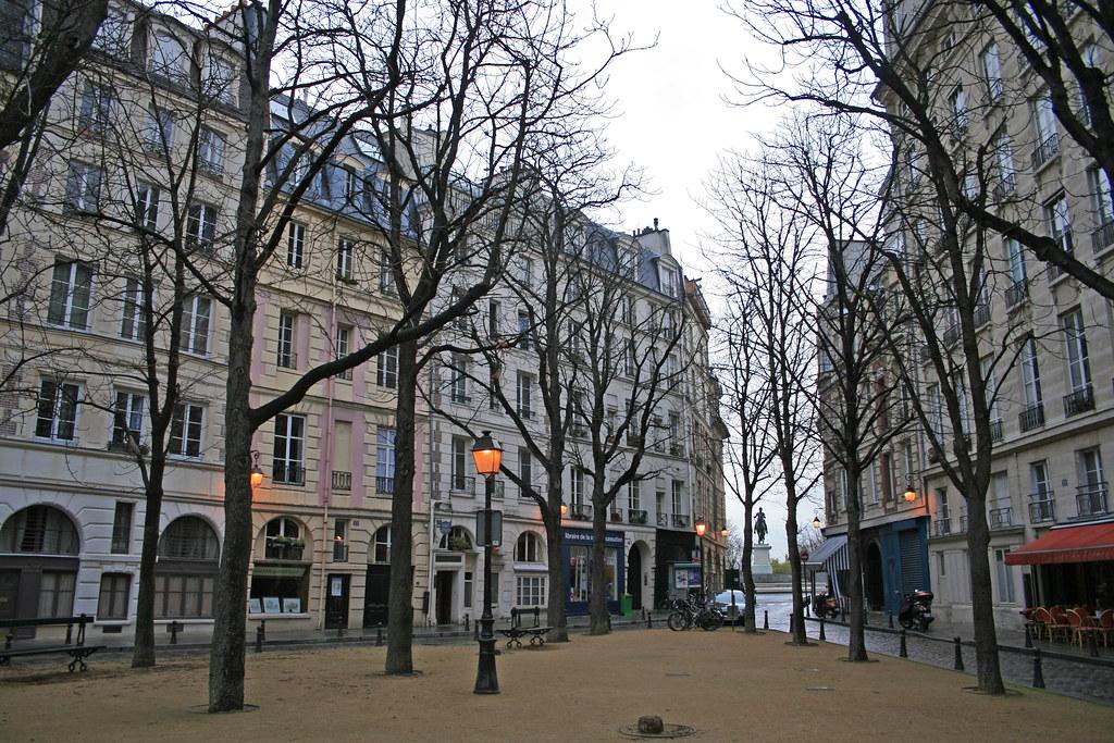 Place Dauphine Paris France Place Dauphine 18 11