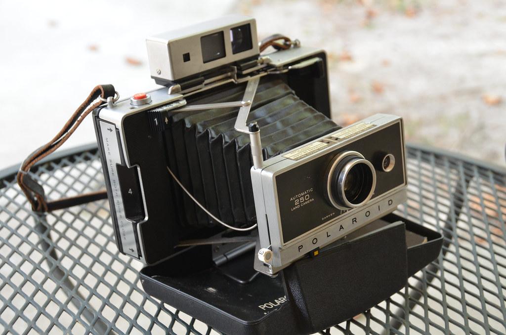 Polaroid Automatic 250