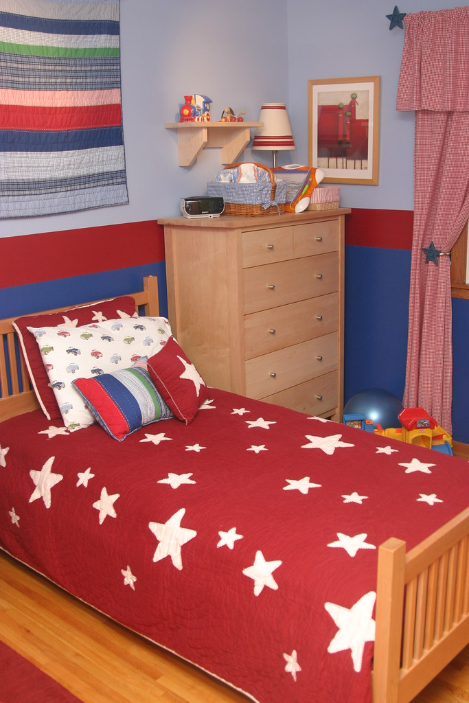 Red And Blue Boy S Room Bedding Curtains Lamp And