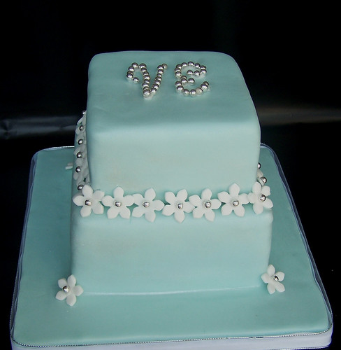 Center Piece Cake - Engagement Party Flickr - Photo Sharing!