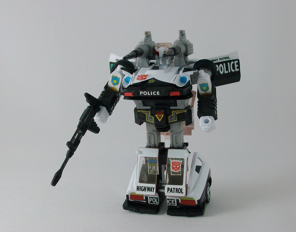 Transformers Prowl G1 Reissue - modo robot | Nombre: Prowl ... Number Designs