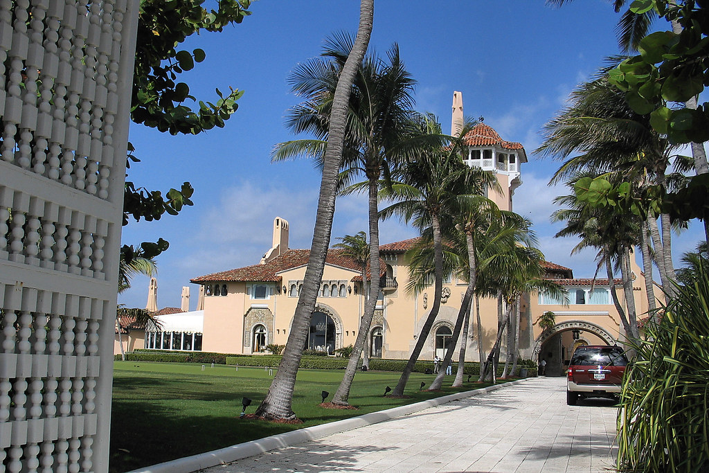 donald trump 39 s house in palm beach mar a lago best. Black Bedroom Furniture Sets. Home Design Ideas