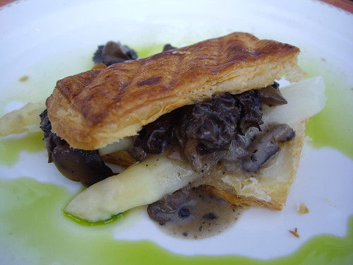Feuilette with White Asparagus and Morel Mushrooms | by swampkitty