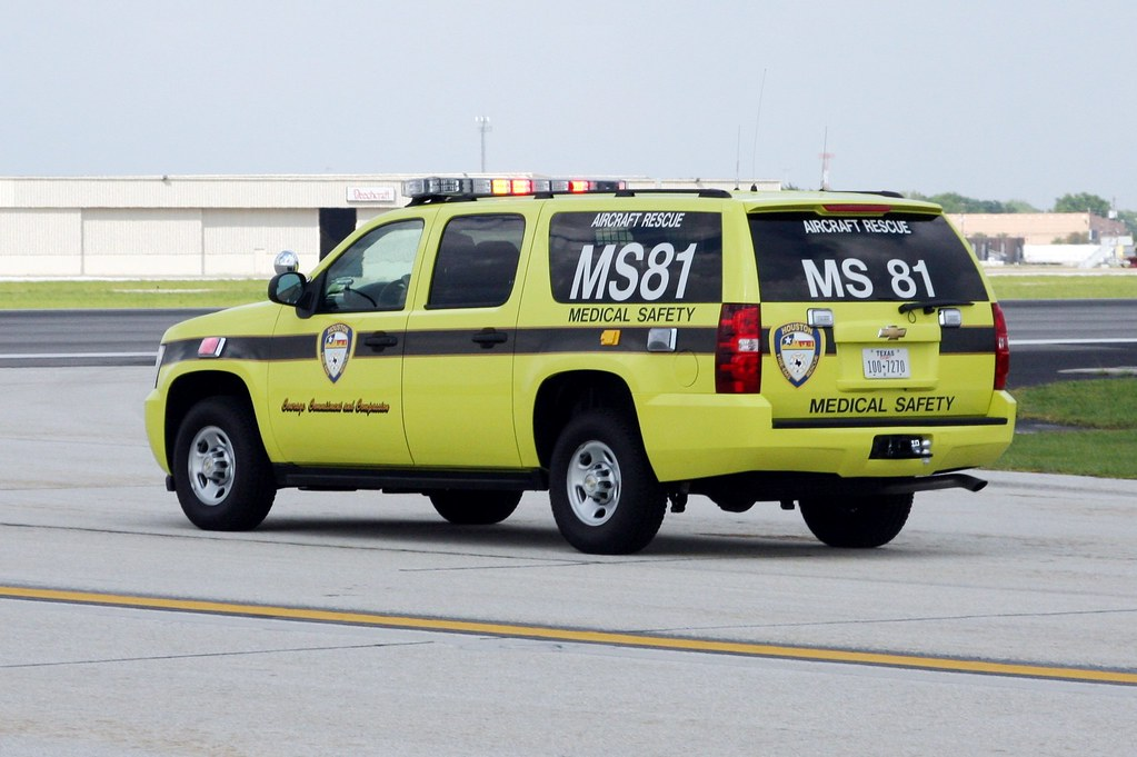 Subarban >> Houston, Texas Fire Department CFR/ARFF 81 Airport Paramed… | Flickr