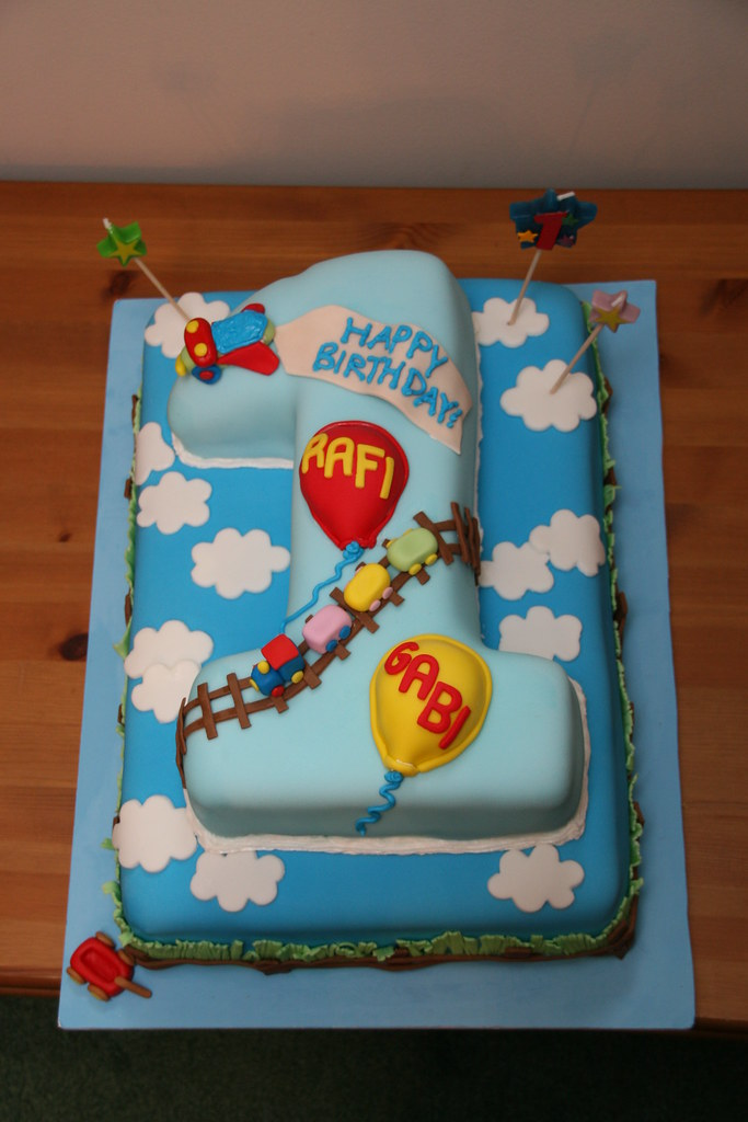 Rafi Amp Gabi 1st Birthday Cake This Cake Was Created For