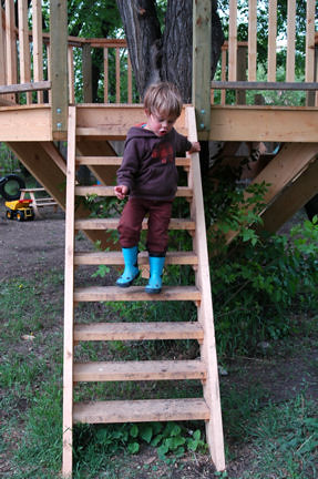 Treehouse stairs nanny poppa flickr for How to build a treehouse step by step