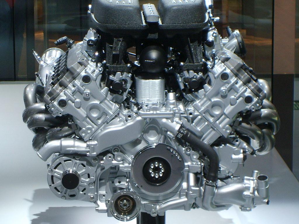V10 Lamborghini Engine Mondial De L Automobile 2008