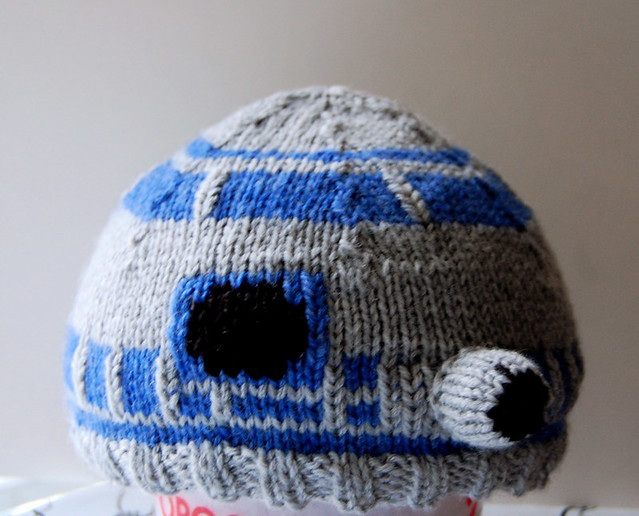 Knitting Pattern For R2d2 Hat : R2D2 Knitted Hat I used this pattern for it: carissaknits.? Flickr