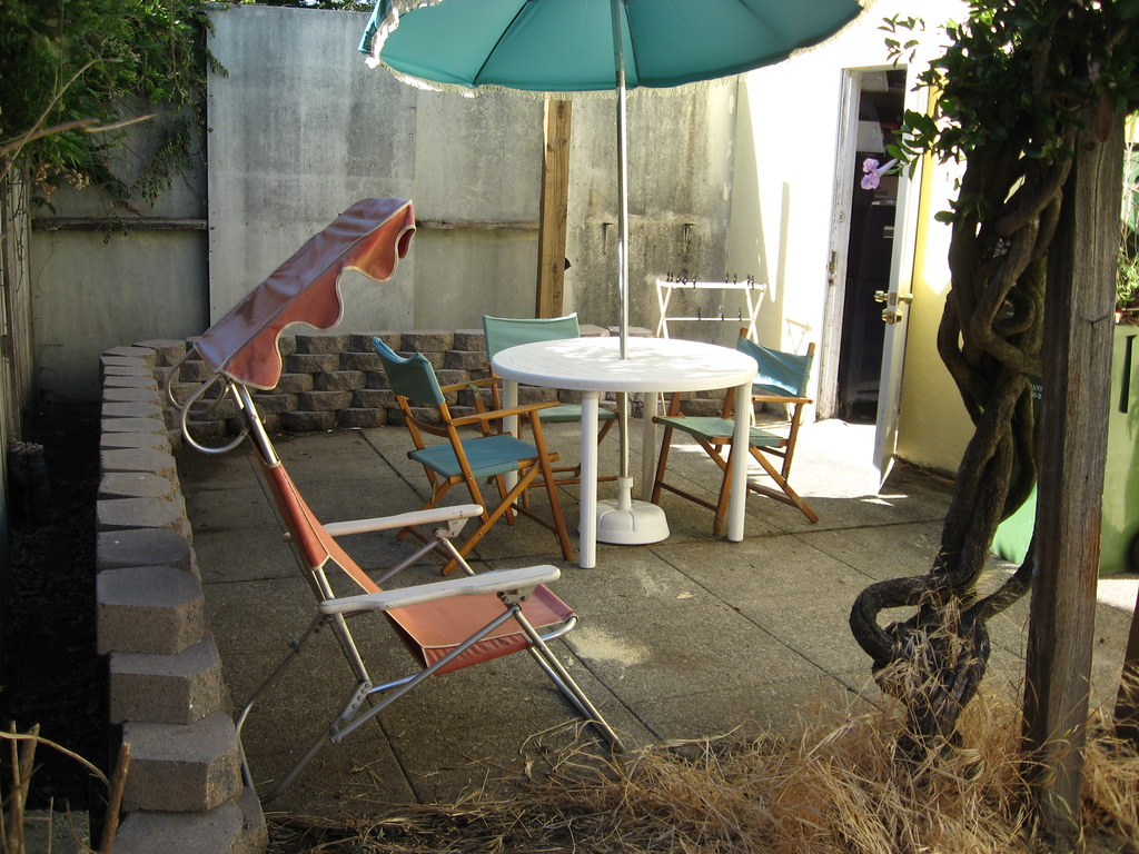 The patio area in the backyard at the duplex #thelovelygeek