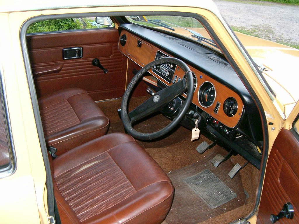 Cars Com Austin >> AUSTIN MAXI INTERIOR DASHBOARD | Walnut veneer dashboard. | Flickr