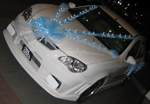 Wedding car decoration they used an attractive modified for Automobile decoration