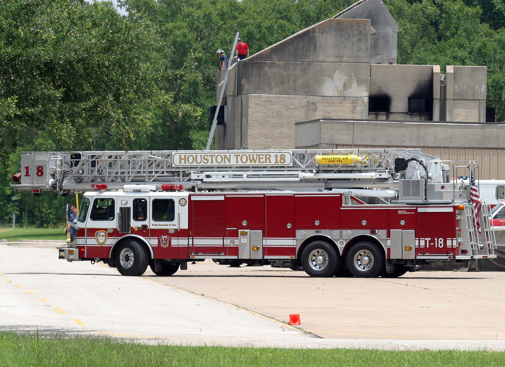 Houston Texas Fire Department Tower Ladder 18 E One Flickr