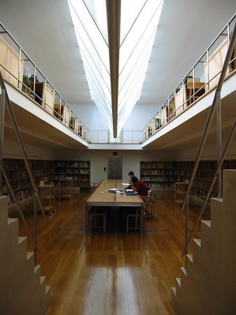 Biblioteca escuela de arquitectura de oporto architectur for Biblioteca arquitectura