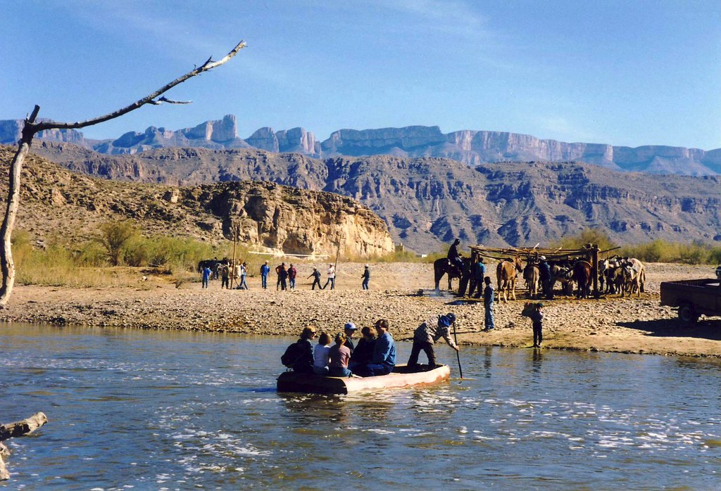 Crossing attempts at US Southwest border triple in March