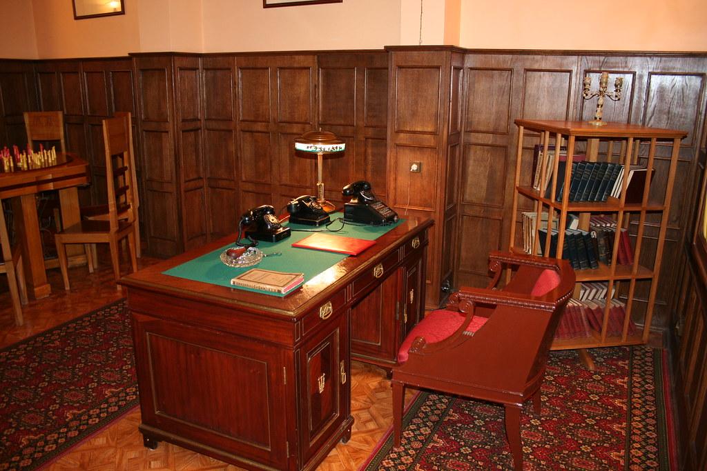 Stalin S Bunker Desk Stalin S Original Desk In His
