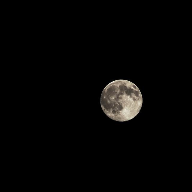 full moon 7 frames stack 12 nov 2008 a delightful full m flickr