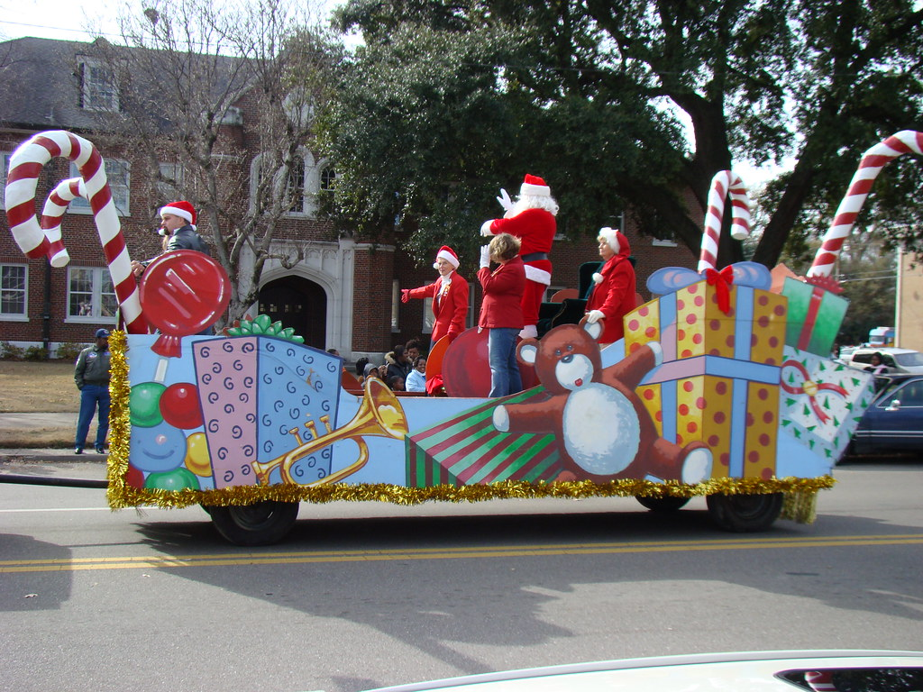Christmas Parade Ideas Made From Old Cars