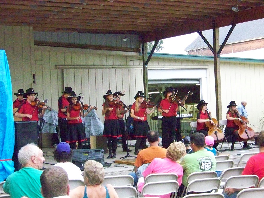 Fiddlers Restrung At The Jackson County Michigan Fair A