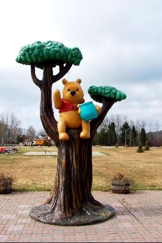 Winnie The Pooh Statue This Colorful Twenty Five Foot