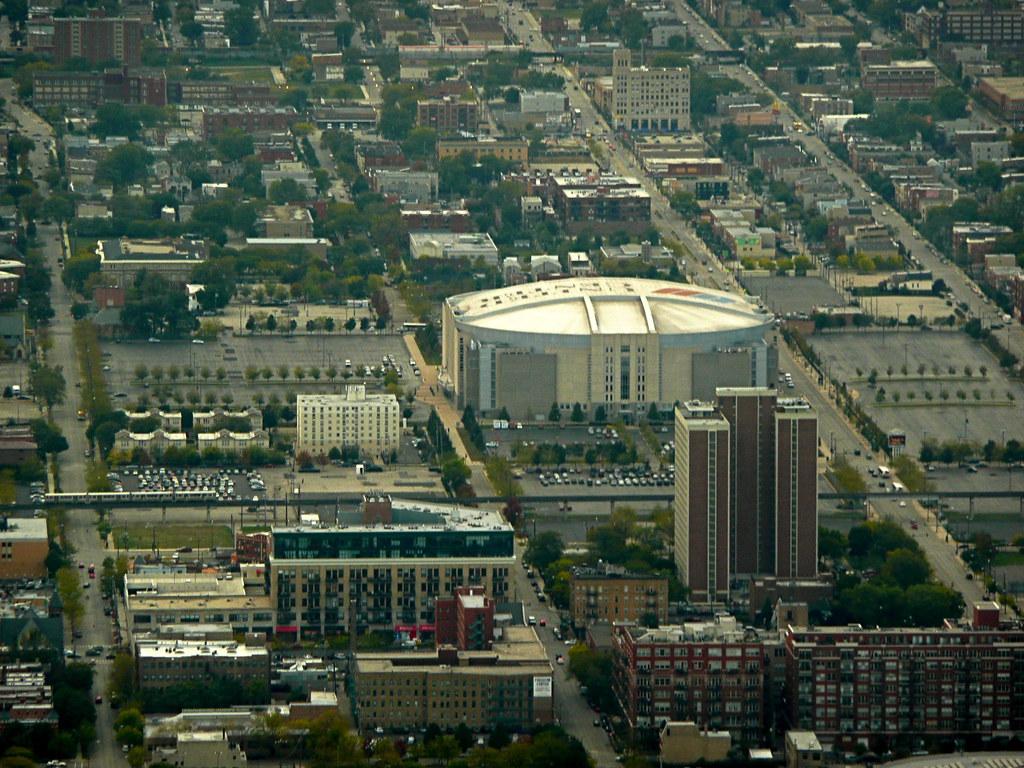 Exterior: United Center - Chicago Bulls Arena