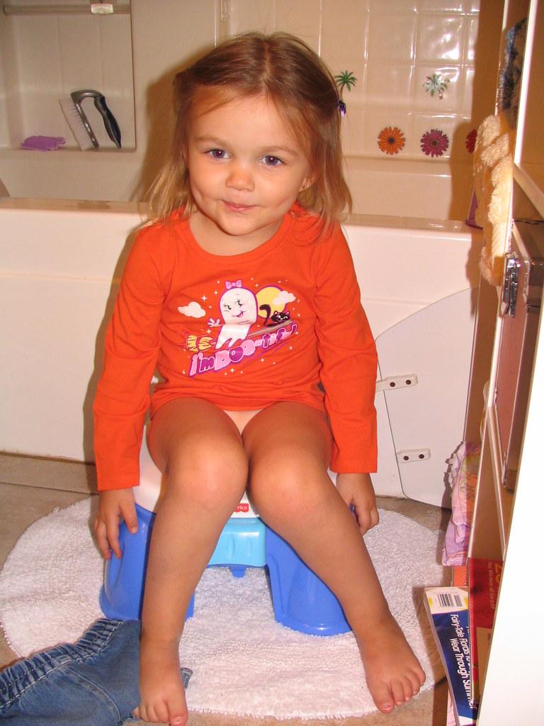 Potty Training Girl | Beemyr on the Potty | Beauty Playin ...