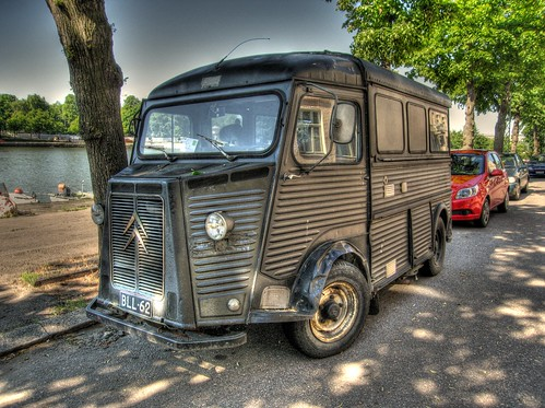 HDR - beat up Citroen HY van | by walnut_iguana