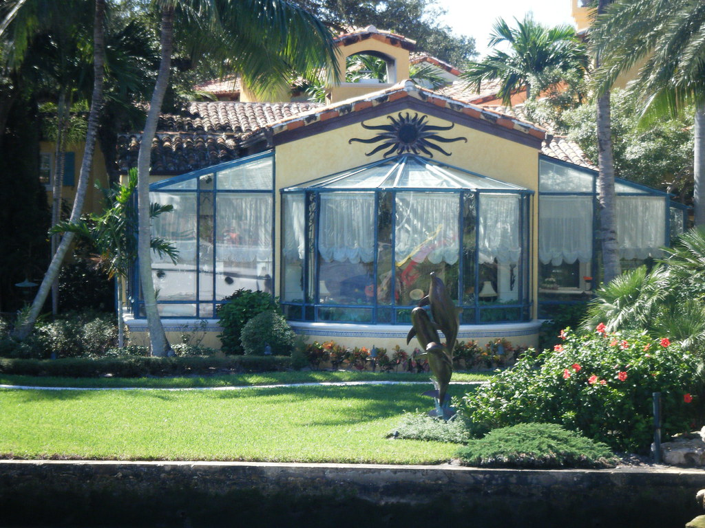 H Wayne Huizenga S House Co Owner Of Miami Dolphins