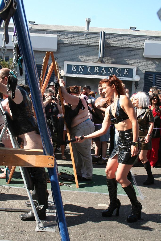 Folsom Street Fair 2008 | The spanking and flogging ...