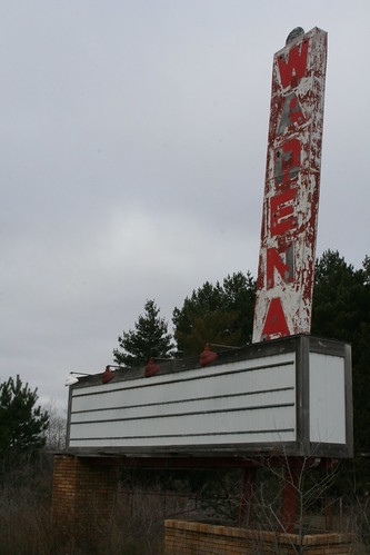 Wadena Drive-In Theater (Closed) | by anglerove