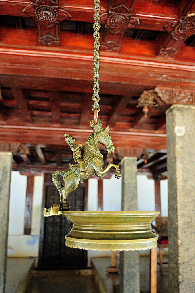 pathmanabhapuram palace - lamp | The traditional home of the… | Flickr