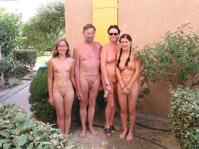 Фото семьи голые