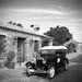 Classical Car in the Street - Auto Clasico en la Calle