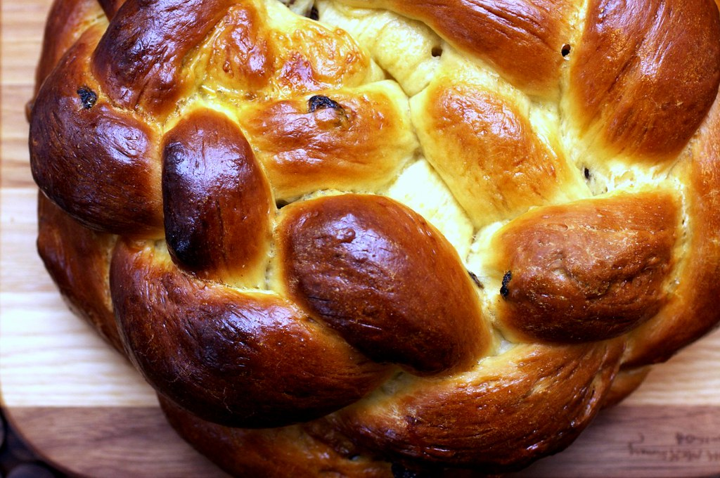 round raisin loaf | Best Challah (Egg Bread) on ...