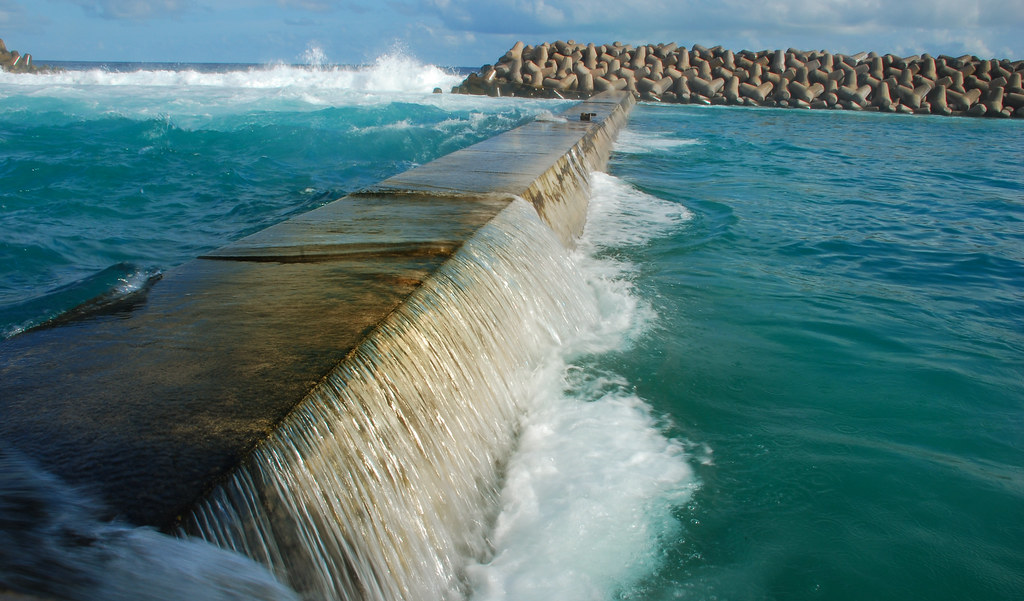 Sea wall 'saves Maldives capital' | There were no ...