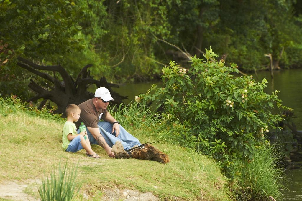 Fishing with dad trinity river riverside texas for Trinity river fishing spots