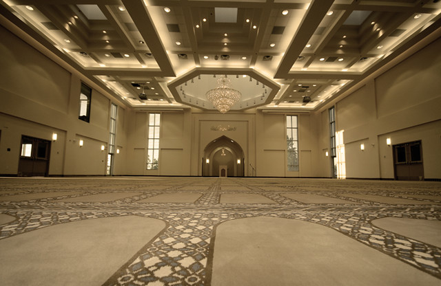 baitun nur mosque calgary canada   prayer hall