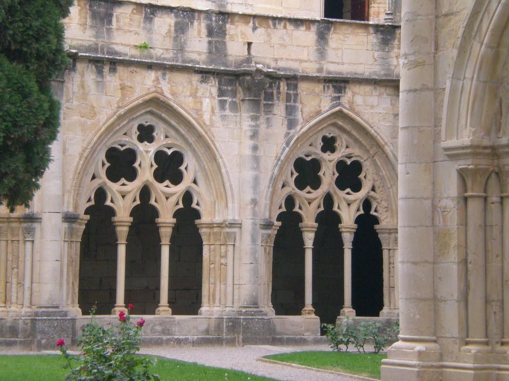 Arcos G 243 Ticos Claustro Del Monasterio De Poblet