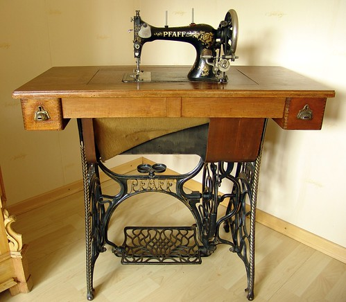 antike pfaff n hmaschine by joachim s m ller. Black Bedroom Furniture Sets. Home Design Ideas