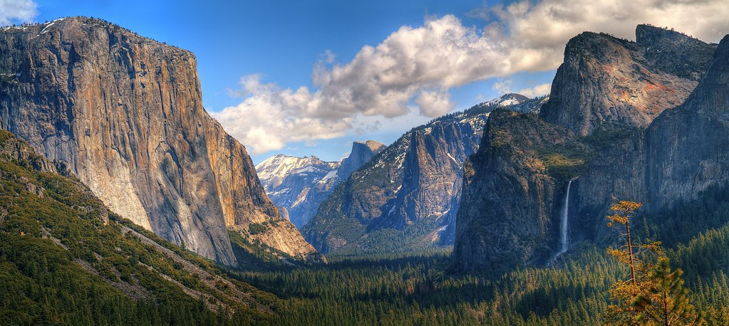 Yosemite Valley Panorama   You've got to scroll around ...