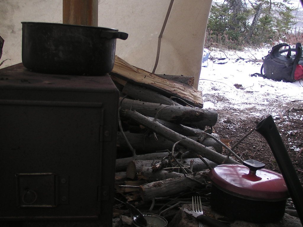 Intérieur du campInside the camp  Pour montrer linstallat…  Flickr