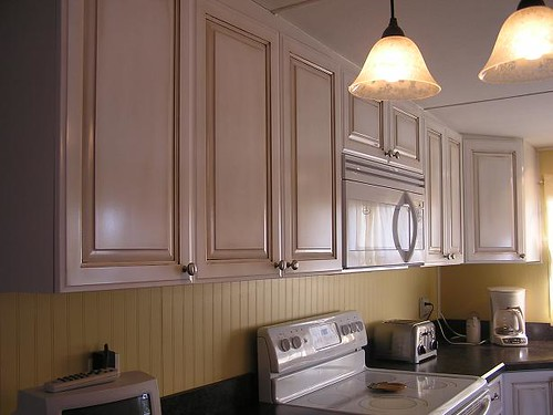 White Painted Maple Kitchen Cabinets