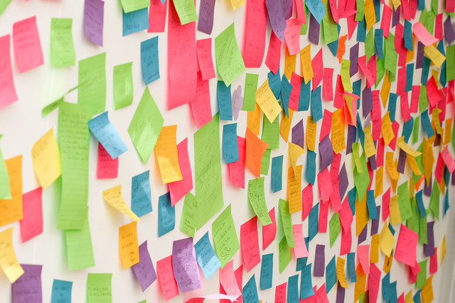 wall of post it notes
