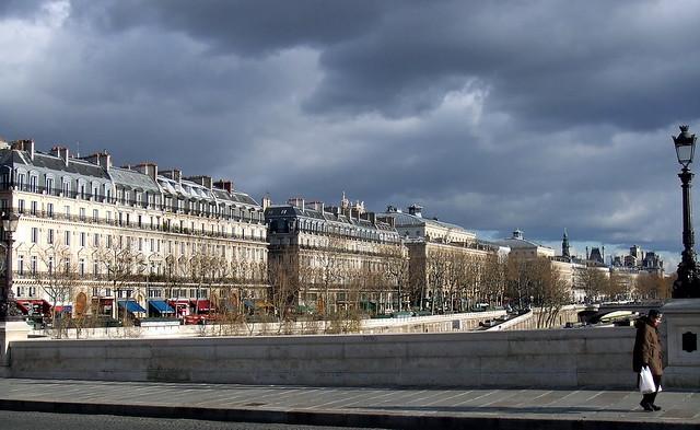 Quai de la m gisserie depuis le pont neuf paris france flickr photo - Quai de la megisserie ...